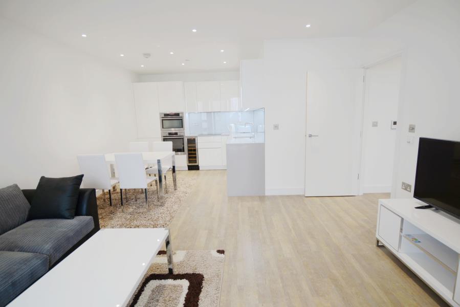 2 bedroom flat in Nine Elms Point, Nine Elms, SW8