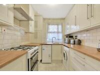 4 bedroom flat in Moresby Walk, London, SW8