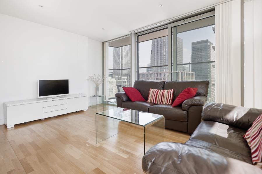 2 bedroom flat in Landmark Tower, Canary Wharf, E14