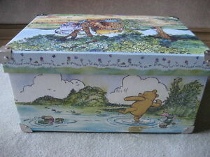 BRAND NEW Classic Winnie the Pooh Decorative Box (Large)