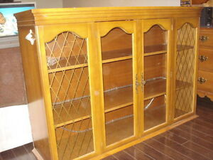 WOOD GLASS DISH OR DISPLAY CABINET / TOP HUTCH / BAR / ANTIQUE West Island Greater Montréal image 3
