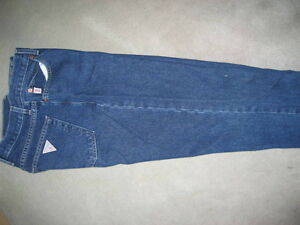 LADIES GUESS DARK DENIM JEANS - SIZE 30