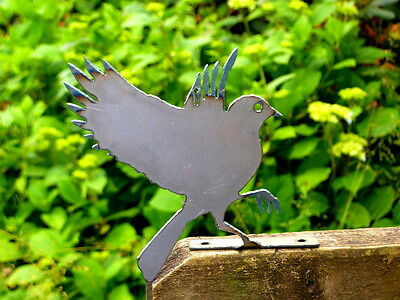 Cut Metal Rusty Flying Bluebird Garden Home Yard Lawn Outdoor Window Art Decor