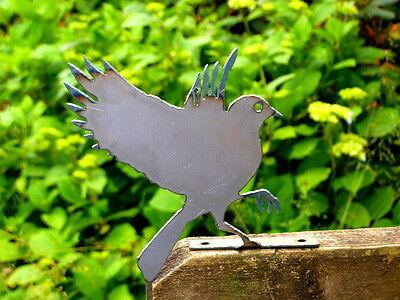 Cut Metal Rusty Flying Bluebird Garden Home Yard Lawn Outdoor Window Art Decor