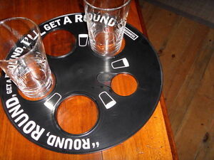GUINNESS Drinks Tray with 2 Pint Glasses