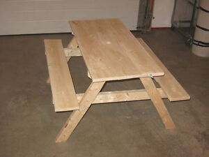 Kids wood picnic table