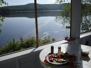 Chalet à louer Lac Baker N.B.- Cottage for rent Baker Lake N.B.