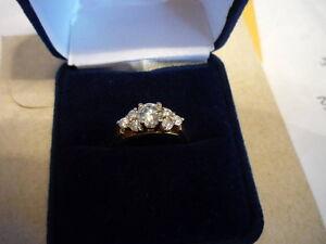 Seven 7 Stone Diamond Gold / White Gold Ring - NEVER WORN Stratford Kitchener Area image 2