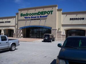 BEDROOM DEPOT DAYBED SALE ONLY $198,MATES BED SALE $248 Windsor Region Ontario image 3