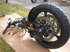 GSXR600 2008 ENGINE KIT AND COMPLETE FRONT END WITH ONLY 650KMS Windsor Region Ontario image 9