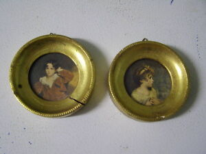 Set of 2 Vintage Pictures in Round Frame