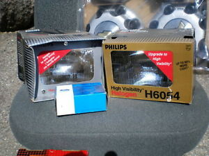 CAPTAINS CHAIR, SWIVEL BASE AND TRUCK PARTS HEAD LIGHTS Kitchener / Waterloo Kitchener Area image 1