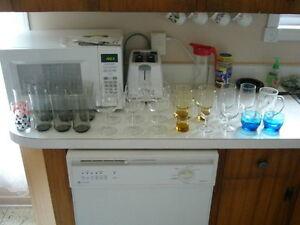 Différents verres à boire et autres articles à vendre Saguenay Saguenay-Lac-Saint-Jean image 1