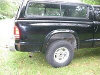truck topper, black good condition dodge dakota