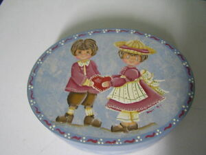 Tole Painted Oval Band Box