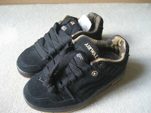 BRAND NEW - AIRWALK SKATE SHOES (SIZE 2)