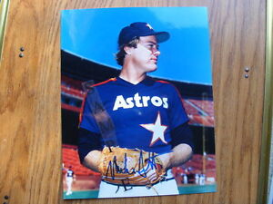 FS: Mike Scott (Houston Astros) 8x10 Autographed Photos x2