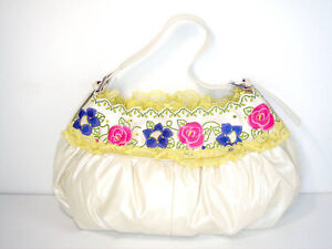Pearl White Pleather Floral Embroidery Handbag (02070401)