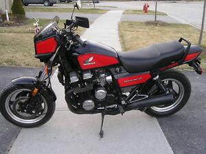 PIÈCES USAGÉS À VENDRE!  pour Honda Nighthawk 750S 1984 a 1986