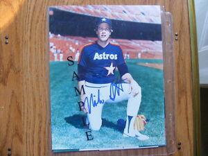 FS: Mike Scott (Houston Astros) 8x10 Autographed Photos x2 London Ontario image 2