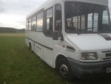 Iveco Daily 2.8 Lwb Mini Bus Mot And Tax Full Log Book