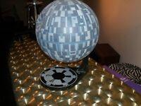 Star wars Death Star, AMT spéciale, sur base, peinte à la main.