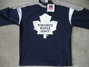 BRAND NEW Toronto Maple Leafs Shirt - Size Youth M (10/12)