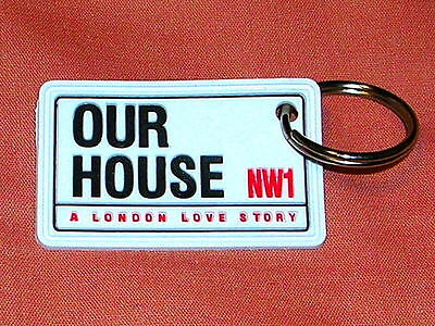 OUR HOUSE MADNESS MUSICAL - OFFICIAL RUBBER KEYRING - SUGGS TWO 2 TONE SKA