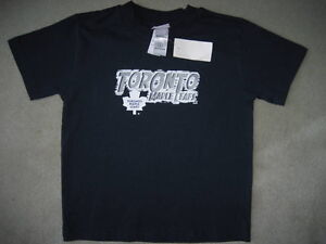 BRAND NEW TORONTO MAPLE LEAFS T-SHIRT - SIZE 6