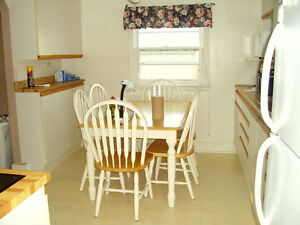 2 Bedroom Cottage in Brights Grove Canada image 2