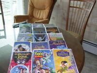 VHS-  plusieurs  de  Disney en français