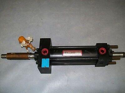 Hennells Hydraulic Cylinder 2 Bore 6 Stroke Hd2-mde5mx2-b
