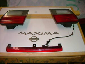 NISSAN MAXIMA  2 LUMIERES 1996 ET PLUS, NISSAN LIGHTS