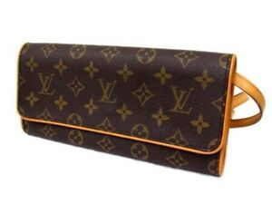 Louis Vuitton Pochette Twin GM Shoulder bag Authentic North Shore Greater Vancouver Area image 3