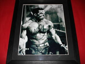 ARNOLD SCHWARZENEGGER SIGNED 10X8 FRAMED PHOTO arnie