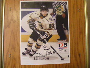 """FS: 2009-2010 London Knights """"Autographed"""" Player Photos"""
