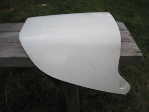 RZ500 YAMAHA SOLO SEAT COVER AND TAIL LIGHT COVERS Windsor Region Ontario image 3