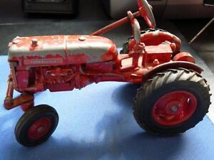 Vintage Toy - McCormick Farmall-cub tractor
