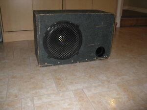 Aubaine Caisse de son d'auto Sub 12 pouces 450 watts