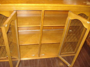 WOOD GLASS DISH OR DISPLAY CABINET / TOP HUTCH / BAR / ANTIQUE West Island Greater Montréal image 5