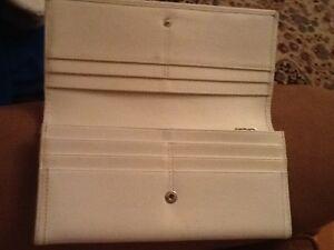 coach wallet white