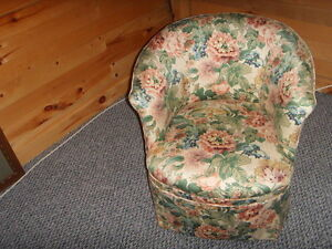 Vintage Lady's Dressing Chair