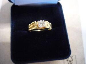 Gold Ring w/ Diamond - NEVER WORN