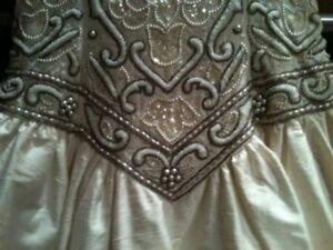 Wedding Dress size 6 (Orig. price $2000) Edmonton Edmonton Area image 4