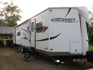 Windjammer travel trailer 3001W