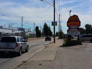 2403 WALKER, WINDSOR ONTARIO Windsor Region Ontario image 1