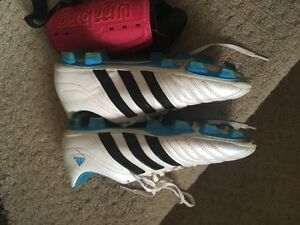 Adidas Womens Soccer shoes and shin guards size 9