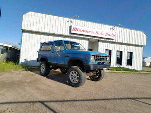 1984 ford bronco 2