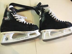 CCM Senior Size 7 Skates