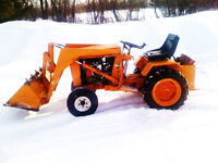 646 CASE (INGERSOLL) HYDROSTATIC TRACTOR WITH FRONT END LOADER